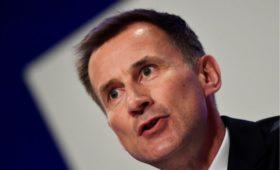 Глава британского МИДа пригрозил России «очень высокой ценой»