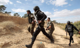 В Алжире арестовали четырех приближенных к экс-президенту бизнесменов