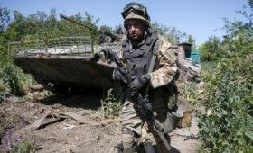 Кучма предложил запретить стрелять в ответ в Донбассе