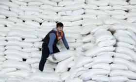 Оптовые цены на сахар обновили в июне пятилетний минимум