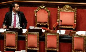Политический кризис в Италии вернул политиков с каникул