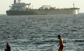 NYT сообщила о поставках нефти из Ирана вопреки санкциям США