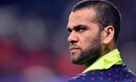 Алвес объяснил отказ возвращаться в«Барселону» и«Ювентус»