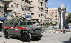 На пути российского военного патруля в Сирии подорвали две мины