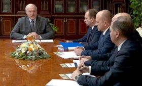Лукашенко приказал найти альтернативу российской нефти