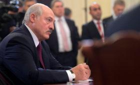 Лукашенко поручил обсудить поставки нефти с Казахстаном