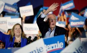 Сандерс одержал победу на кокусах демократов в Неваде