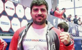 СМИ: узадержанного тренера ММАОсии нашли неизвестный порошок