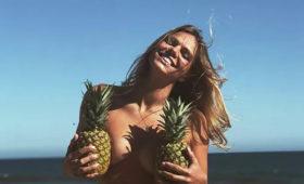 «Булочки сладкие»: Губерниев оценил горячее фото Ефимовой вкупальнике
