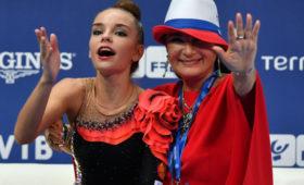 Гимнастка Дина Аверина выиграла золото вупражнениях собручем