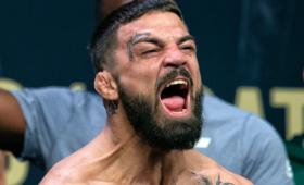 Боец UFCустроил драку вресторане инокаутировал пожилого человека
