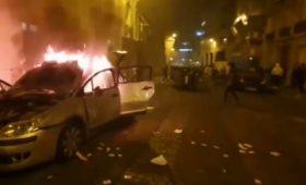 Фанаты «ПСЖ» устроили погромы вПариже после финала ЛЧ. Полиция применила газидубинки