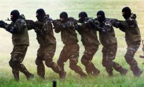 «Били, оскорбляли, недавали голову поднять». Сестра белорусского футболиста— оегозадержании вовремя протестов