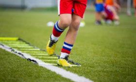 Начались судороги: молодой футболист умер вМоскве