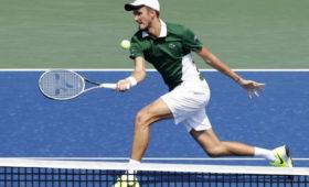 Теннисист Медведев вышел вчетвертьфинал турнира вСША
