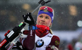 Биатлонистка Резцова объявила опропуске сезона всвязи сбеременностью