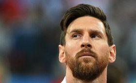 Месси раскритиковал руководство «Барселоны» зауход Суареса