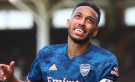 «Арсенал» объявил опродлении контракта сОбамеянгом