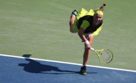 Кузнецова проиграла Свитолиной втретьем круге теннисного турнира вРиме