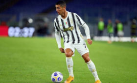 «Ювентус» сыграл вничью с«Ромой» вматче чемпионата Италии. Роналду сделал дубль
