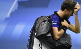 Медведев проиграл Тиму вполуфинале USOpen
